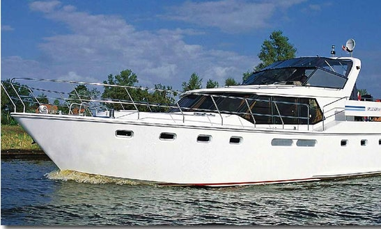 Charter A 10 Person Aquacraft Luxury Motor Yacht In Langelille, Netherlands