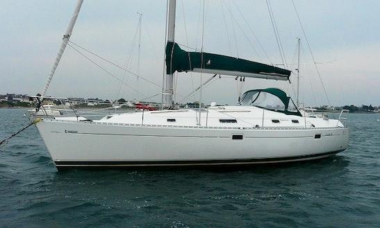 Beneteau Oceanis 381 Monohull Charter & Trips In Almuñécar