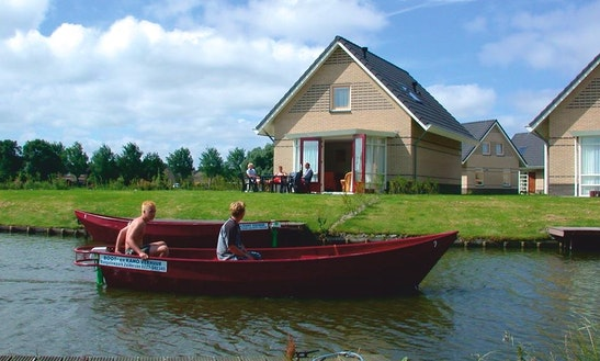 Electric Boat Rental In Medemblik