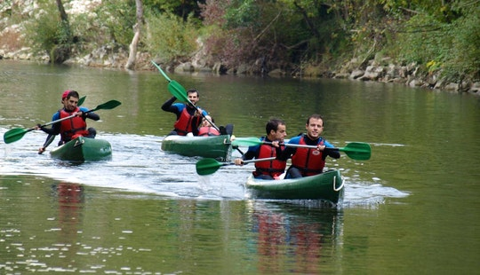 Canoe Descending Guided Trips In Ribadesella
