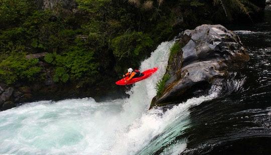 Kayak Rafting Course & Trips In The Noguera Pallaresa River
