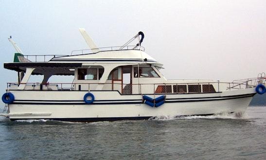 Sl001 Chinese Junk 60 Boat Charter In Hong Kong