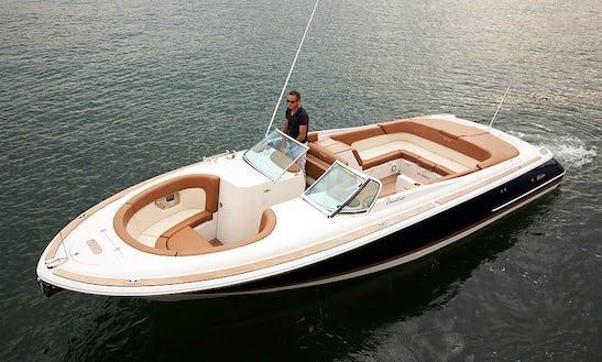 28' Chris Craft Launch Bowrider Rental In Allanbrooke, Singapore