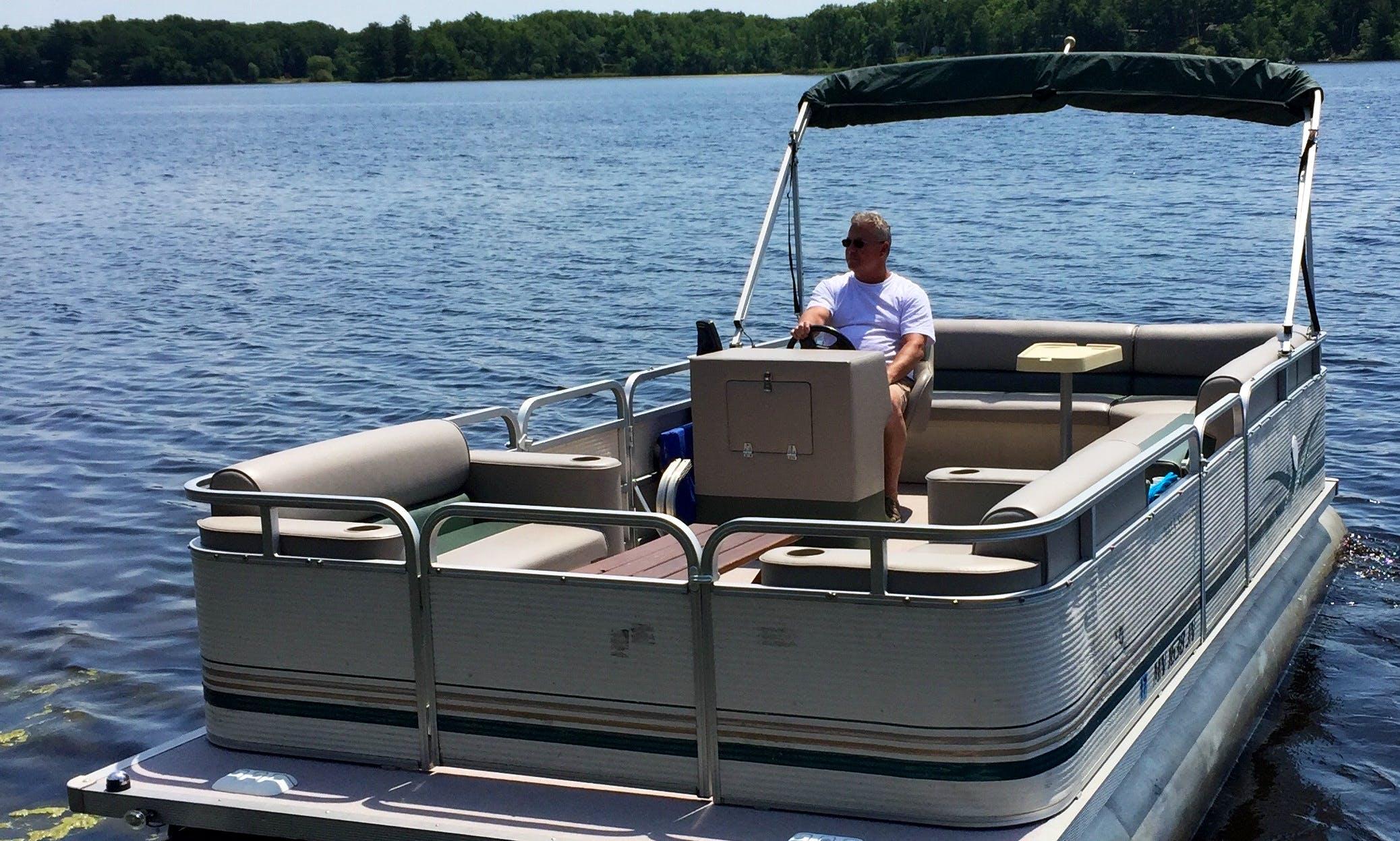 20' Pontoon Rental on Cross Lake