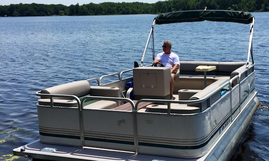 20' Pontoon Rental On Cross Lake