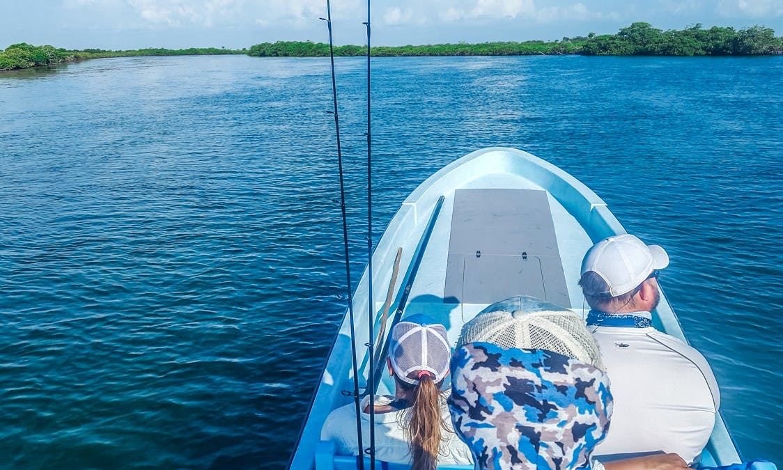 23ft Flats Skiff out of Ambergris Caye