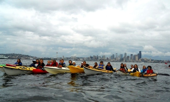 Explore Seattle, Washington On A Single Kayak