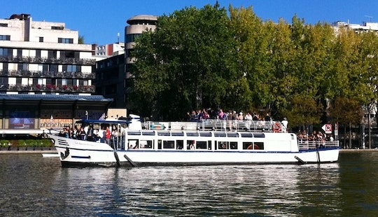 65ft Le Martin Pecheur Canal Boat Charter In Paris, France