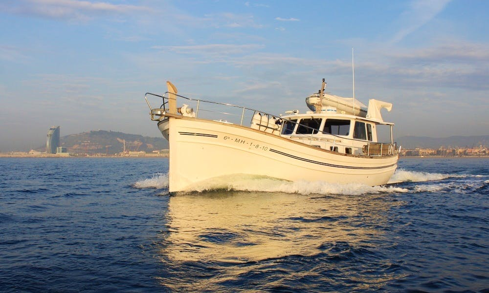 'Es Cau' Cuddy Cabin Boat Hire in Barcelona