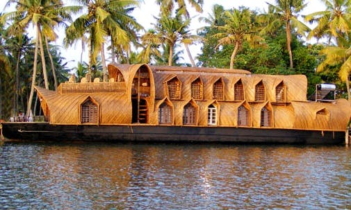 Kerala Houseboats For Rent in the Backwaters