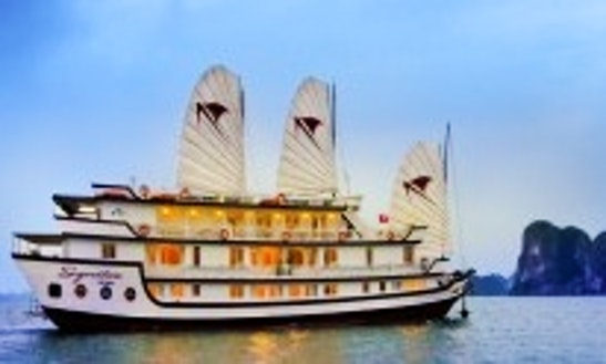 Signature Halong Cruise 3 Days / 2 Nights