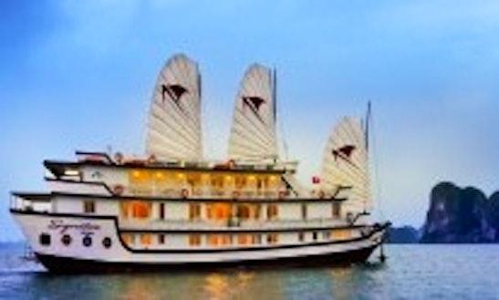 Signature Halong Cruise 3 Days / 2 Nights