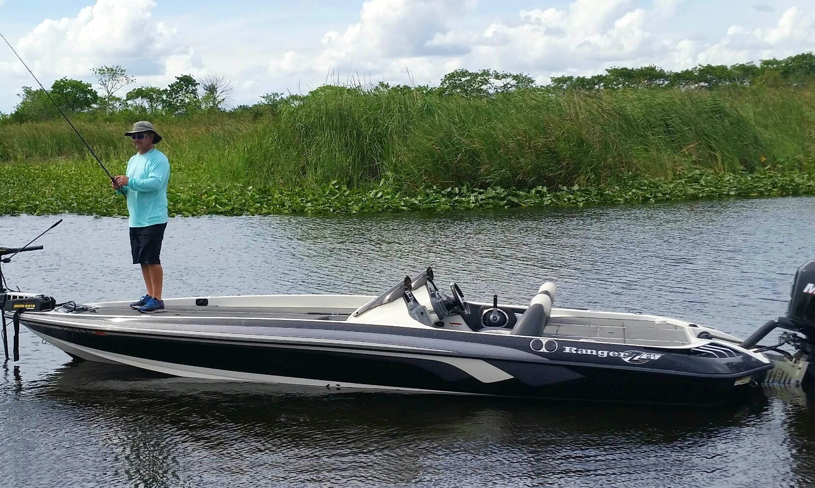 Ranger Bass Boat Fishing Charter in Davie