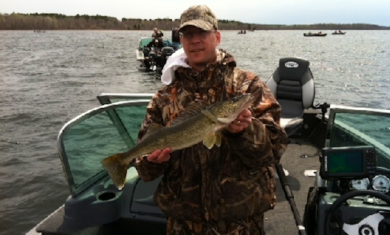 Fishing charters in minnesota for Minnesota fishing charters