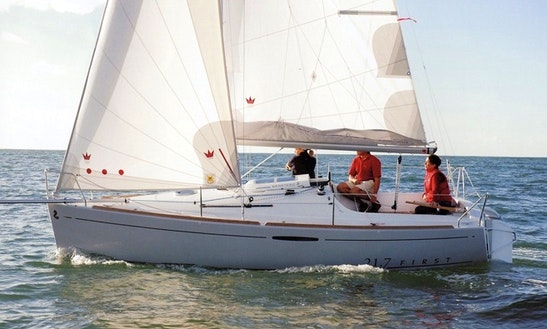 20' Beneteau First Cruising Monohull Charters In Toscolano, Italy