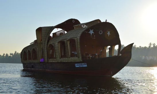 Three Bedroom Houseboat In Candolim