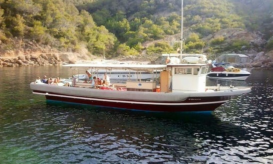 Deck Boat For Rent In Cambrils
