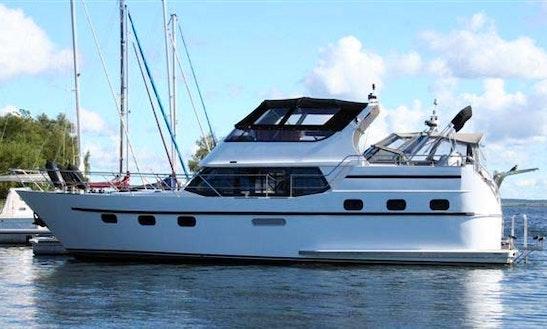 'najade' Motor Yacht Charter In Groß Kreutz