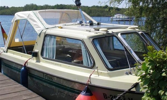'triss' Deck Boat Hire In Heidesee