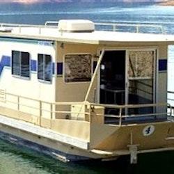 Cascade houseboat shasta lake redding ca getmyboat for Shasta motors redding california