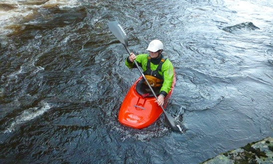 White Water Kayak Lessons In Aviemore