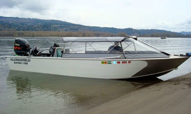 25' Guided Fishing Trip Boat Olympia