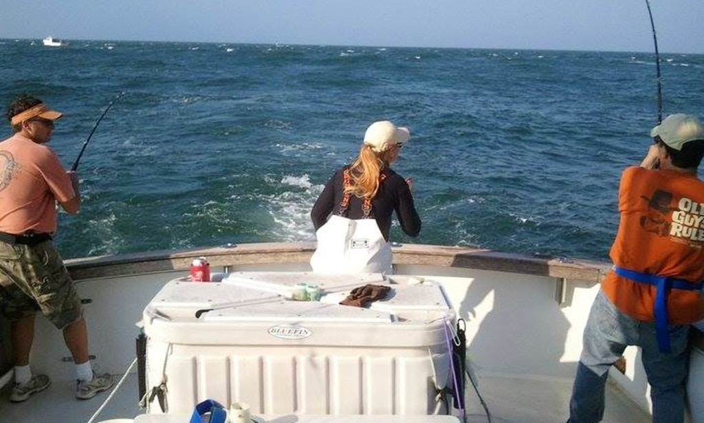44ft bluefin sportfisherman boat charter in clinton for Ct fishing charters