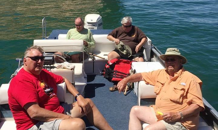 27' Deck Cruiser Fishing Boat In Lake Powell Arizona, United States
