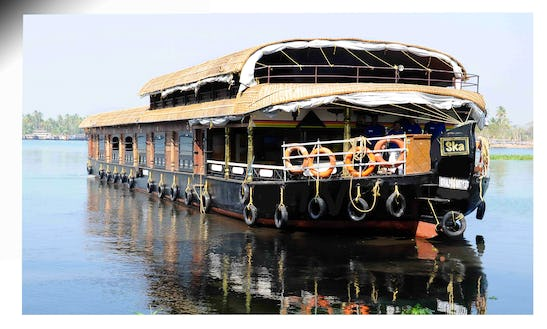 Six Bedroom Houseboat In Alappuzha