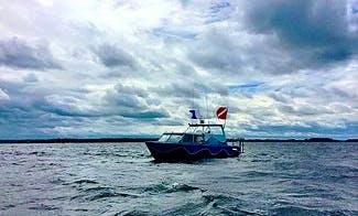 """25' Pontoon """"Silent Diver"""" Diving Trips in Brockville, Canada"""