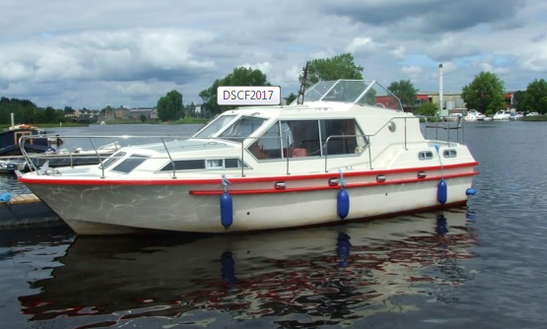 Prima 32 Motor Yacht Chaters In Fermanagh, United Kingdom