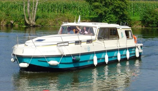 Book A Riviera 1130 Motor Yacht For 9 Person In Buzet-sur-baïse, France