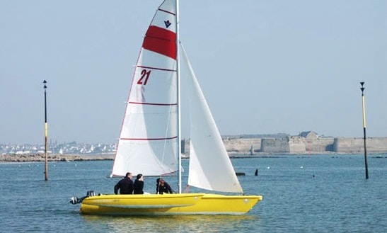 Rent The Magnum Virus 21 Sailing Trimaran In Quiberon