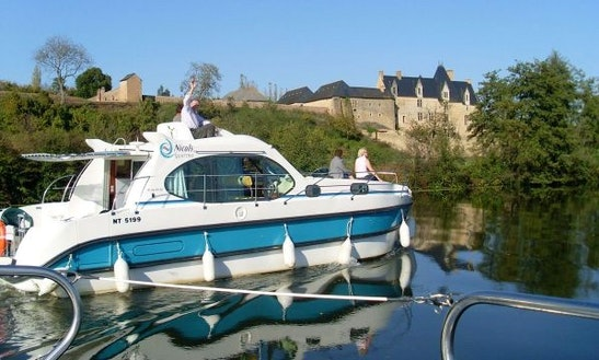 Fantastic 10 Person Motor Yacht For Hire In Buzet-sur-baïse, France