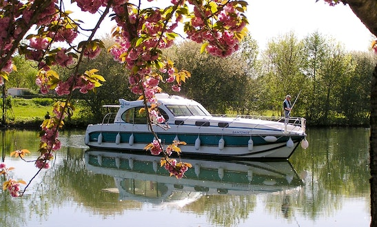 'nicols 1010' Motor Yacht Hire In Harskirchen, France