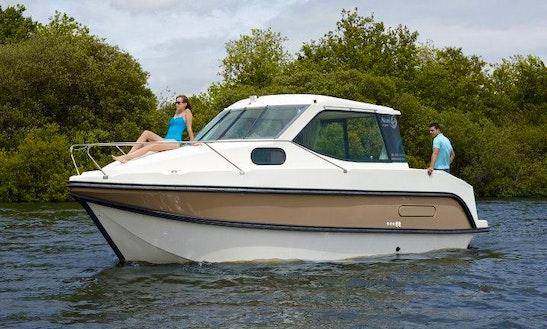 'primo' Cuddy Cabin Boat Hire In Le Somail