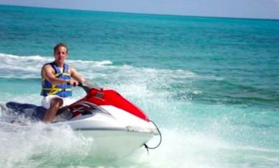 10' Jet Ski In Freeport, Bahamas