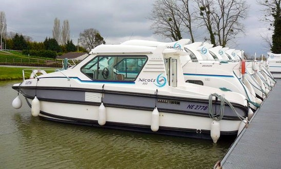 'nicols 800' Cuddy Cabin Boat Hire In Nevers Plagny