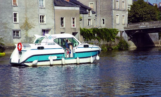 Confort 900 Canal Boat For 7 Person For Hire In Plagny, France