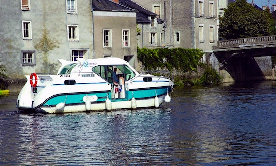 'confort 900' Motor Yacht Hire In Nevers Plagny