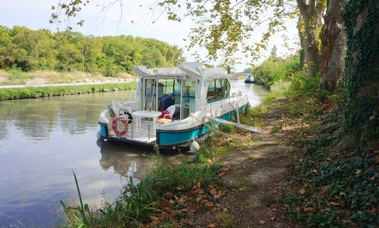 'nicols 1160' Motor Yacht Hire In Nevers Plagny, France