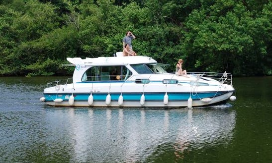 Charter A Nicols 1170 Motor Yacht Hire In Bouzies, France