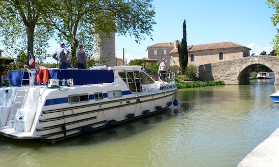 Canal Houseboat For 12 Person In Oberhausen, Germany