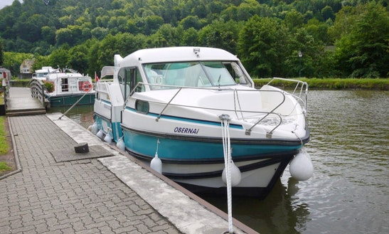 'confort 900 Dp' Motor Yacht Hire In Saverne