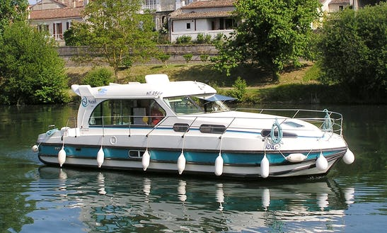 'nicols 1010' Motor Yacht Hire In Saverne, France