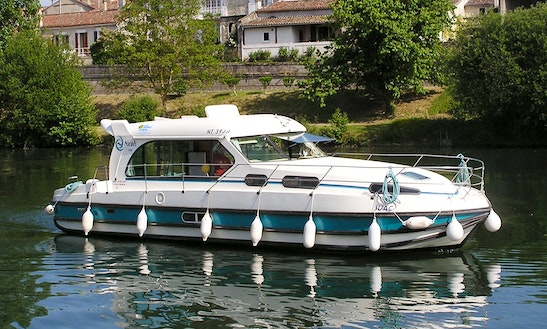 'nicols 1010' Motor Yacht Hire In Saverne
