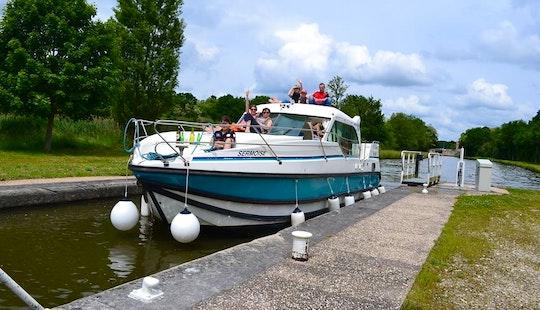 'nicols 1160 N' Motor Yacht Hire In Saverne