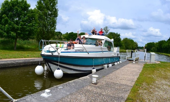 'nicols 1160 N' Motor Yacht Hire In Saverne