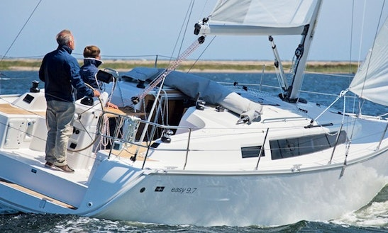 Charter The Bavaria 33s Easy