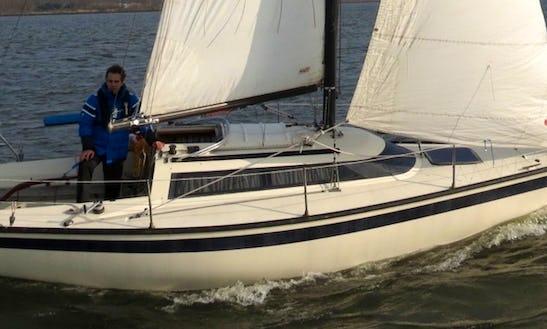 Charter The  26' Friendship In Lelystad